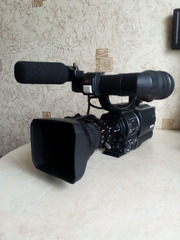 Профессиональная камера HDV+  mini-DV  JVC GY HD110 ЦИФРА!!!