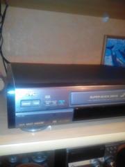 jотличный видеомагнитофон jvc